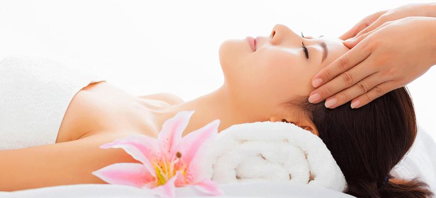 Gesichts- Lymphdrainage Ausbildung: speziell in der Kosmetik oder Zahnmedizin wirkt sie entzündungshemmend, entwässernd Haut und Gewebe.