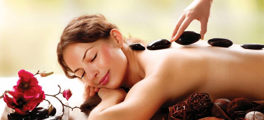 Hot Stone Massage Ausbildung: fernöstliche Massage mit heißen Steinen.